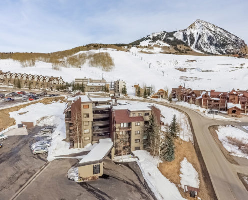 Crested-Butte-Architect-Multi-family-Wood-Creek-Lodge-condominiums-Andrew-Hadley-007